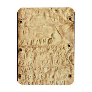 """Placa de ouro com """"breve"""" inscrição de Etruscan, d Foto Com Ímã Retangular"""