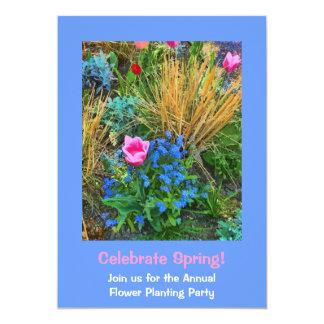Plantação bonito das tulipas e das flores do convite 12.7 x 17.78cm