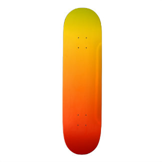 Plataforma amarela vermelha do skate do inclinação