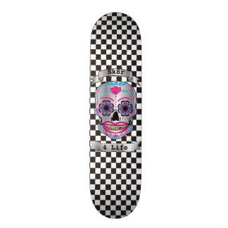 Plataforma cor-de-rosa Checkered do crânio dos Shape De Skate 20cm