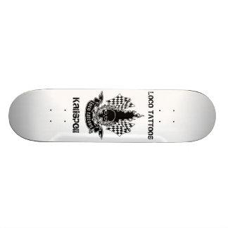 Plataforma do skate de Kalispell dos tatuagens do