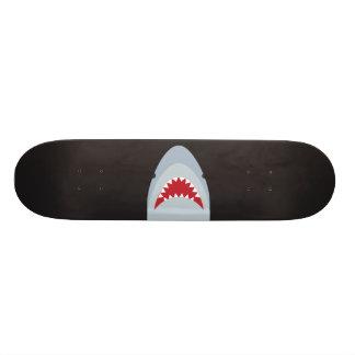 Plataforma do skate do tubarão