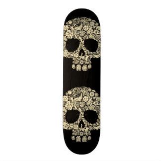 Plataforma floral do conselho do skate do crânio