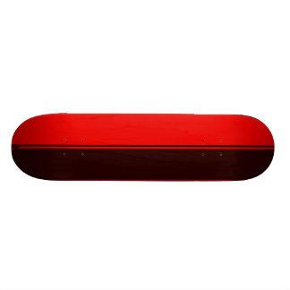 Plataforma simples parcialmente preta e vermelha shape de skate 20,6cm