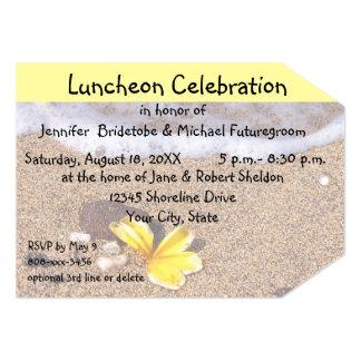 Plumeria da celebração do almoço na praia convite 12.7 x 17.78cm