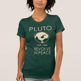 Pluto revolve na camisa da paz
