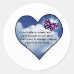 Poema memorável da borboleta adesivo em formato redondo