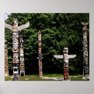 Pólos de totem do nativo americano, Vancôver, brit Poster