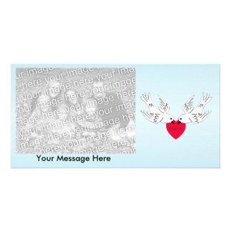 Pombas do coração do amor da paz cartão com foto