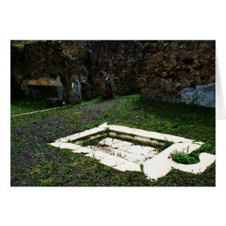 Pompeia - fonte de mármore no jardim de uma casa d cartão comemorativo