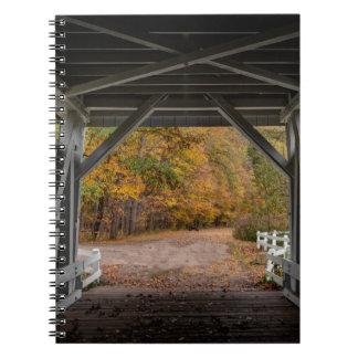 Ponte coberta da estrada de Everatt Caderno Espiral
