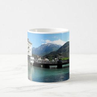 Ponte em Interlaken na suiça Caneca De Café