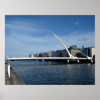 Ponte sobre o poster do rio de Dublin Ireland Pôster