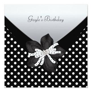 Ponto branco preto da festa de aniversário convite