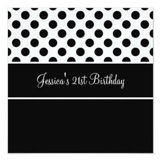 Pontos pretos & brancos da festa de aniversário convite quadrado 13.35 x 13.35cm