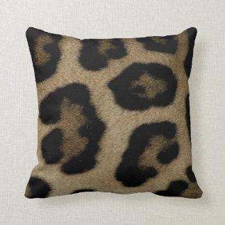 Pontos selvagens do leopardo do gato almofada