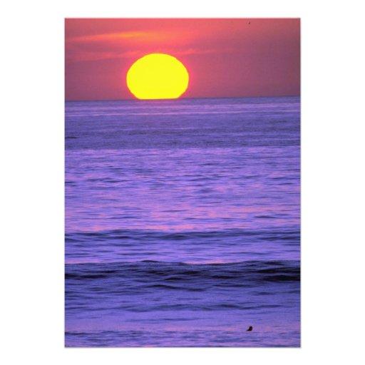 Por do sol bonito: Recife do tampo da mesa, praia  Convite Personalizado