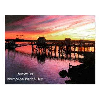 Por do sol da praia de Hampton Cartão Postal