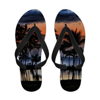 Por do sol de PixDezines na Um-baía praia havaiana Sandalias Rasteiras