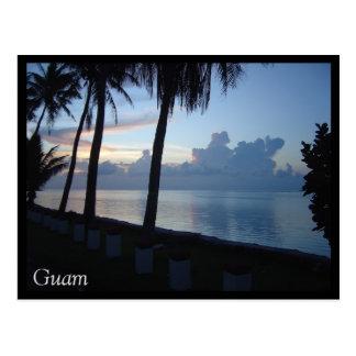 Por do sol do parque da praia de Guam Cartão Postal