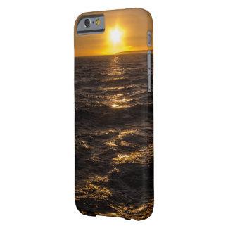 Por do sol dourado capa barely there para iPhone 6