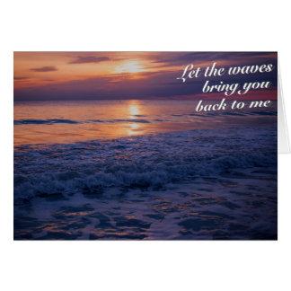 Por do sol e cartão do mar
