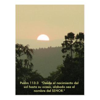 Por do sol ESPANHOL do texto da bíblia do 113:3 do Cartão Postal