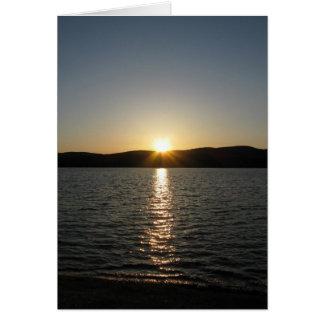 Por do sol no lago Onota: Vertical Cartão Comemorativo