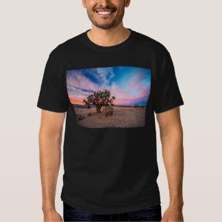 Por do sol no Mojave T-shirts