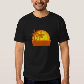 Por do sol retro do estilo tshirts