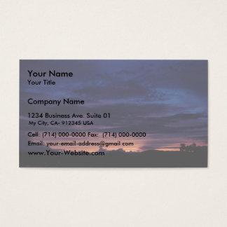 Por do sol sobre o preço de Tom da montagem Cartão De Visitas