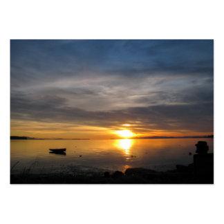 Por do sol tormentoso cartão de visita grande