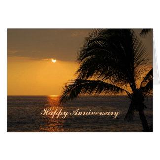 Por do sol tropical do aniversário feliz cartões