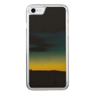 Por do sol verde-amarelo capa iPhone 8/ 7 carved