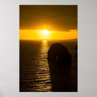 por do sol virgem da rocha pôster