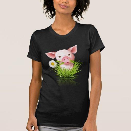 Porco cor-de-rosa pequeno na grama tshirts