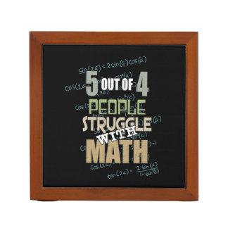 Porta Caneta 5 de 4 pessoas do esforço com matemática -