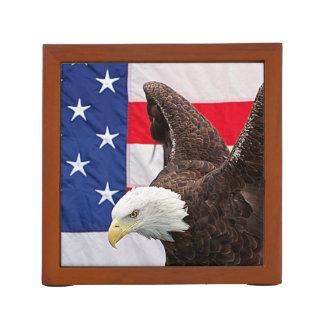 Porta Caneta Águia americana com a bandeira americana