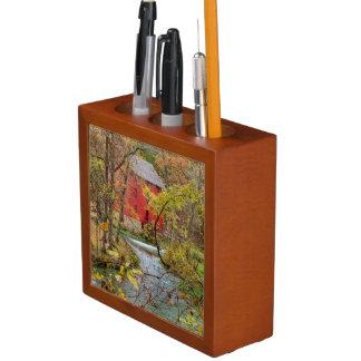 Porta-caneta Beco através das madeiras