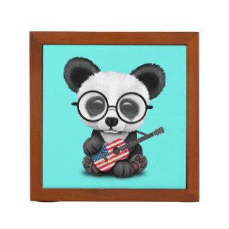 Porta-caneta Panda do bebê que joga a guitarra da bandeira