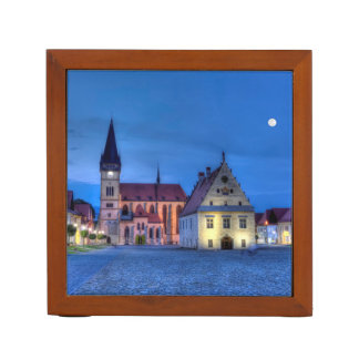 Porta Caneta Praça da cidade velha em Bardejov, Slovakia, HDR