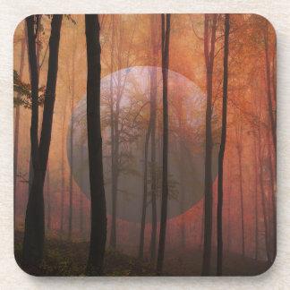 Porta-copo Arte surreal da paisagem do planeta da floresta