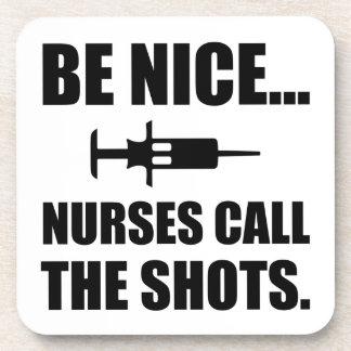 Porta-copo As enfermeiras chamam os tiros