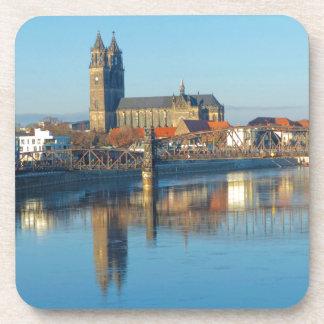 Porta-copo Catedral de Magdeburgo com rio Elbe 01