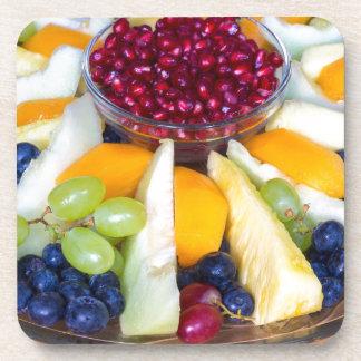 Porta-copo Cheio de vidro da escala de várias frutas frescas
