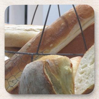 Porta-copo Composição com tipos diferentes de pão cozido