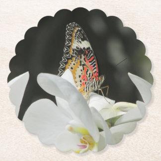 Porta-copo De Papel Borboleta do Lacewing do leopardo na orquídea
