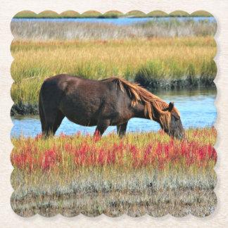 Porta-copo De Papel Cavalo selvagem que come em The Field