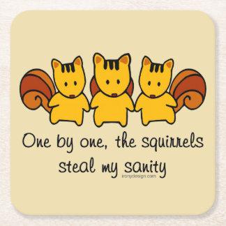 Porta-copo De Papel Quadrado Os esquilos roubam minha sanidade