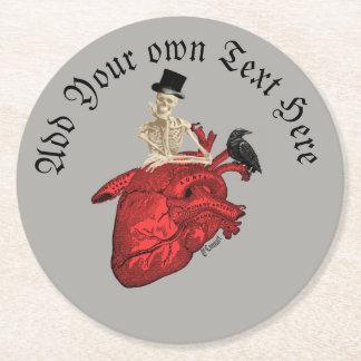 Porta-copo De Papel Redondo Esqueleto gótico e coração do noivo